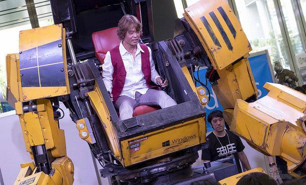อามูโร่ เรย์ ตัวจริงได้ขับหุ่นของจริงแล้ว! มีคลิป