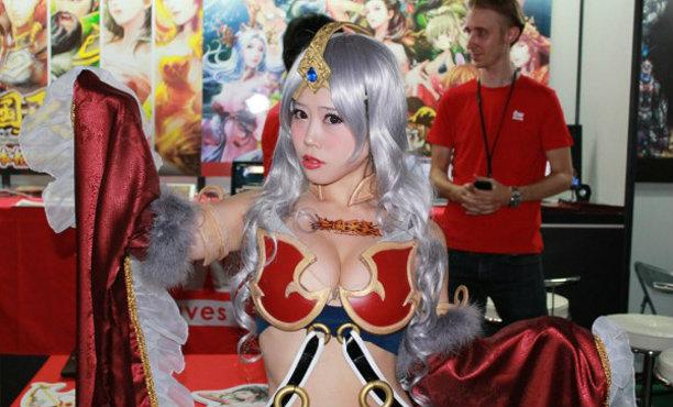 เก็บตก คลิปสาวๆประจำบูธต่างๆในงาน Tokyo Game Show 2015