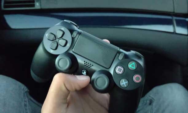 ภาพหลุด DualShock 4 รุ่นใหม่ ลือว่าอาจมาพร้อม PS4 Slim