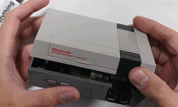 คลิปชำแหละ NES Classic เครื่องแฟมิคอมขนาดจิ๋ว