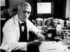 เซอร์ อเลกซานเดอร์ เฟลมมิง นักวิทยาศาสตร์ผู้ค้นพบ ยาปฎิชีวนะ เพนิซิลิน เสียชีวิตด้วยวัย 73 ปี