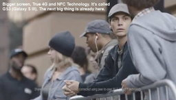 """ซัมซุงทำคลิป""""จิกกัด""""คิวรอซื้อไอโฟน 5"""