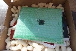 เจออีกแล้ว! หลอกขาย iPad ปลอม ทำจากพื้นกระเบื้อง
