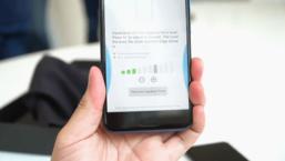 อธิบายฟีเจอร์ Edge Sense ของ HTC U11  บีบ แล้วได้อะไร?