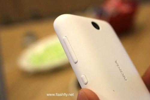 Nokia-Asha-230-Flashfly-05