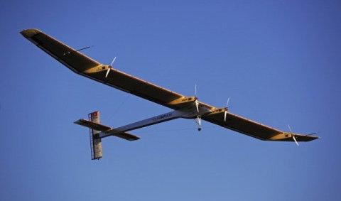 เครื่องบินพลังแสงอาทิตย์พิชิตเวหา24ชม.