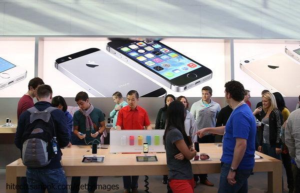 อัพเดทราคา iPhone 5s และ iPhone 5c เครื่องหิ้วประจำวันที่ 9 ตุลาคม 2556