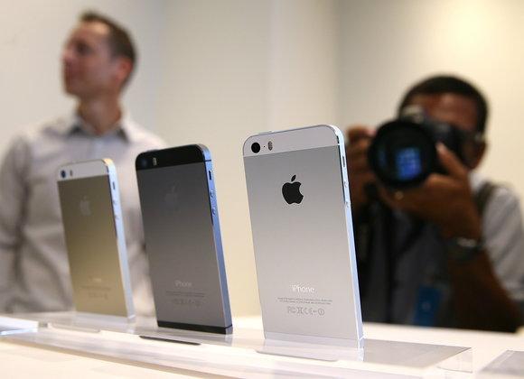 Apple Store ประเทศไทยเปิดราคา iPhone 5s / iPhone 5c ออกมาใกล้เคียงกับผู้ให้บริการสามค่าย