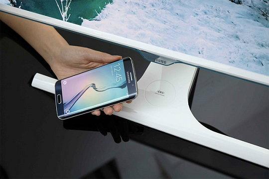 Samsung เผย Monitor รุ่นใหม่รองรับชาร์จไฟมือถือแบบไร้สาย เจอกัน IFA กันยายนนี้