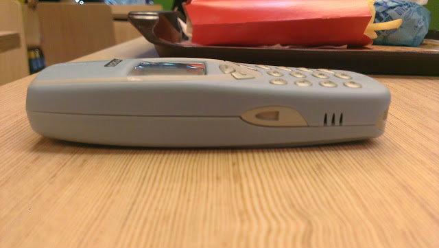 ลองจับเล่น(ย้อนวัย!!) Nokia 3310 ทนตัวพ่อ ลูกหลานยังทำไม่ได้เลย