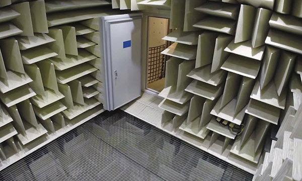 พาชมห้องที่เงียบที่สุดในโลก ณ สำนักงานใหญ่ Microsoft