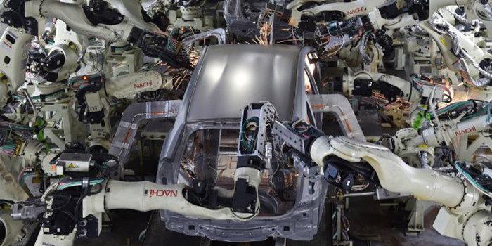 นักวิเคราะห์คาด อีก 20 ปี หุ่นยนต์จะมาแทนที่แรงงานมนุษย์เกือบครึ่งในญี่ปุ่น