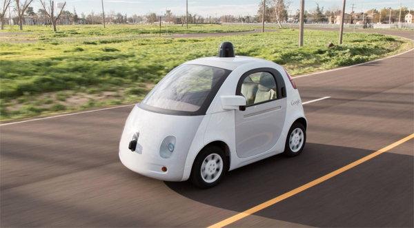 อุบัติเหตุครั้งแรก รถยนต์ไร้คนขับของ Google วิ่งไปชนรถประจำทาง
