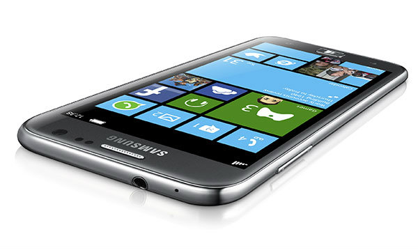 [รีวิว] Samsung ATIV S มือถือวินโดว์โฟน 8 หน้าจอใหญ่ น้ำหนักเบา สเปคระดับไฮเอนด์ จากซัมซุง