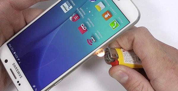 Galaxy S6 โดนทดสอบสุดโหด! ตัวเครื่องจะใช้งานได้หรือไม่(มาชมคลิป)