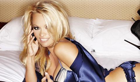 โนเกียเตรียมโฆษณากล้อง N8 ผ่านหนังสั้นกับ Pamela Anderson