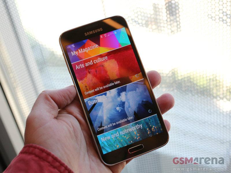 สัมผัสเครื่อง Samsung Galaxy S5 แบบ 360 องศา