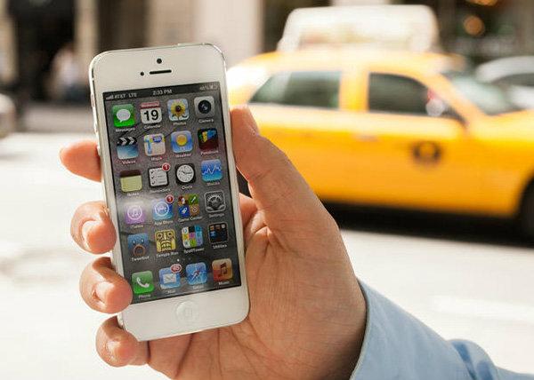 แอปเปิล ประกาศเปลี่ยนแบตเตอรี่บน iPhone 5 ให้ฟรี