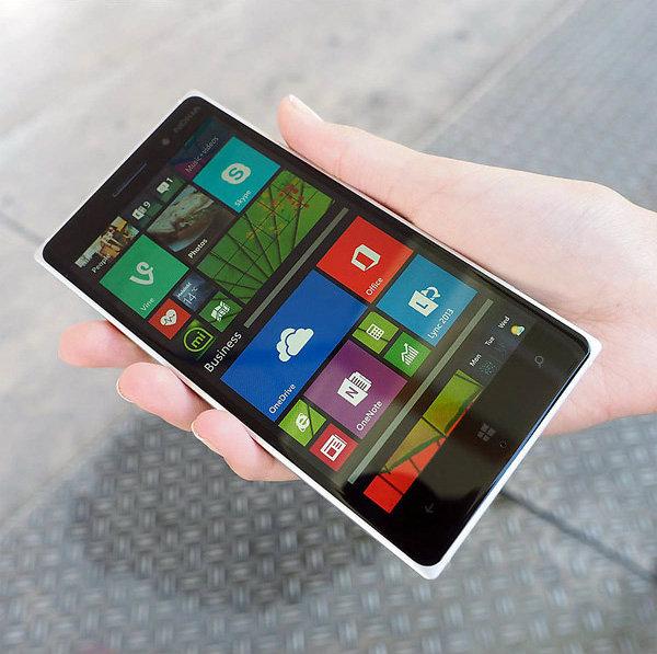แรกสัมผัส Nokia Lumia 830 วินโดวส์โฟนที่มาพร้อมดีไซน์สวยหรู