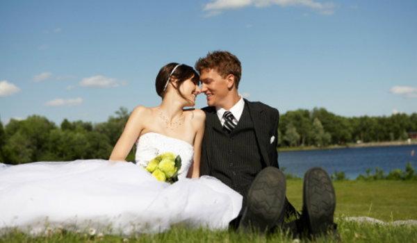โพลเผย ผู้หญิง อยากแต่งงานกับผู้ชายที่เิงิน !!