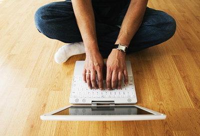 คุณใช้มือข้างไหนพิมพ์มากกว่ากัน