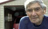 ยังฟิตปั๋ง! คุณปู่แดนกีวี วัย 105 ปี ครองสถิติคนขับรถอายุมากสุดของนิวซีแลนด์