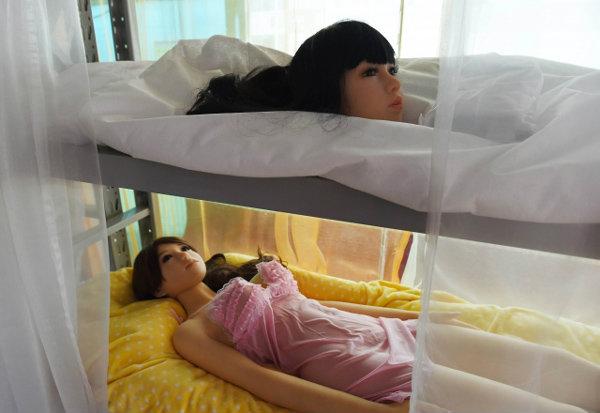 หนุ่มจีนนิยมมีตุ๊กตายางส่วนตัว ตลาดเซ็กซ์ทอยโต 1 แสนล.ต่อปี