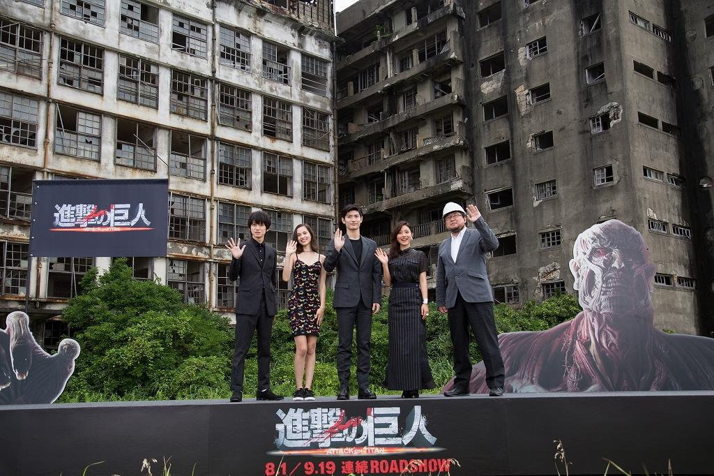 Atak W Nowej Zelandii Film Gallery: ภาพใหญ่ กิโกะ-ฮารุมะ นำทีมเปิดตัวหนัง ATTACK ON TITAN ภาค