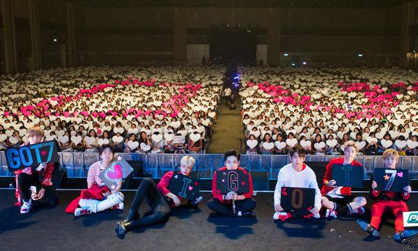 แฟนคลับแน่นงาน GOT7 เปิดตัวรายการ The Fanclub GOT7