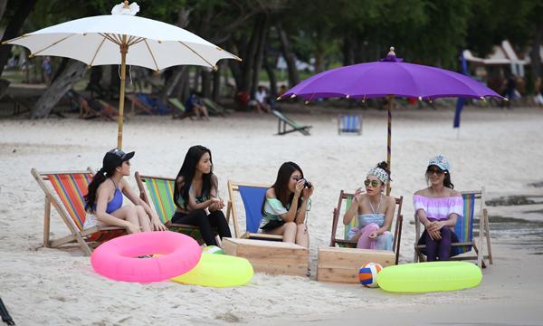 แซ่บ!! ปั้น ชวนสาวๆ ทำกิจกรรม ริมชายหาด The Bachelor Thailand