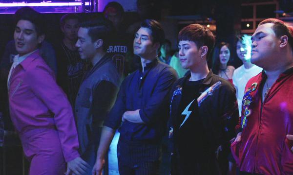 เต๋อ โดนตุ๊ดเด็กปาดหน้าแย่งผู้เกาหลี แก๊งเพื่อนตุ๊ดออกโรงไฝว้