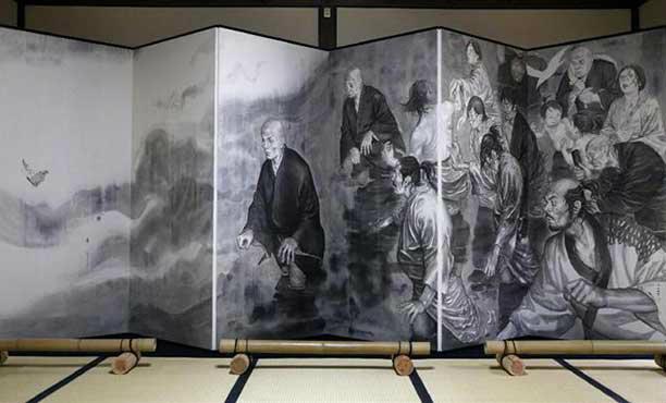 มาชมภาพจิตรกรรมฝาผนังของวัดฮอนกันจิ โดยผู้วาดการ์ตูน Vagabond