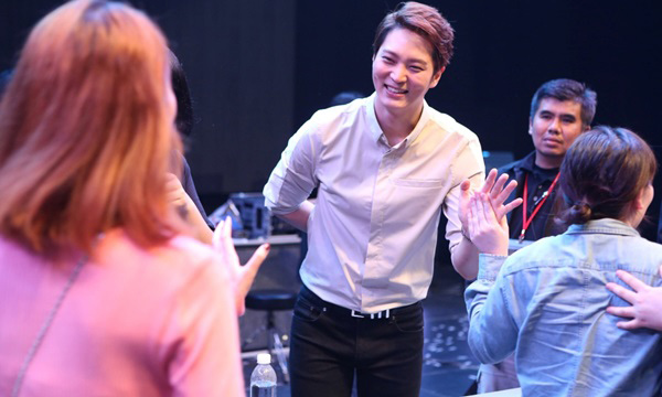 """""""จูวอน"""" อวดเสียงร้องเพลงไทย """"แสงสุดท้าย"""" เอาใจแฟนคลับในแฟนมีตติ้ง"""