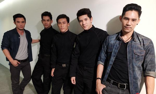 """ทหารไทยแซ่บใช่เล่น! รู้จักหนุ่มๆ """"หน่วยซีล"""" แห่ง เจ้าเวหา"""