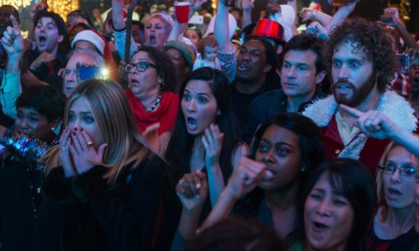 วิจารณ์หนัง Office Christmas Party วงจรชีวิตมนุษย์เงินเดือน