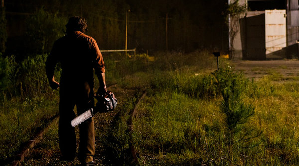ตัวอย่างแรกของ Texas Chainsaw 3D ออกมาไล่สับ