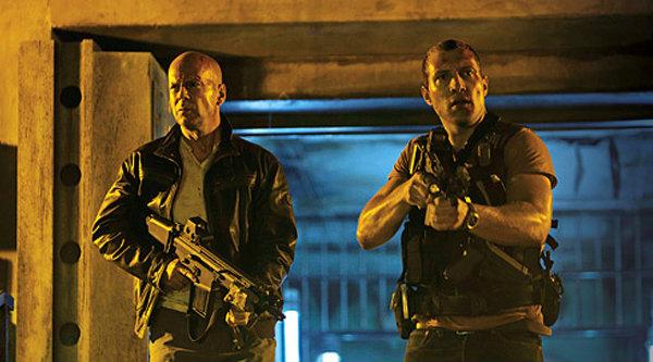 จอห์น แม็คเคลน กับลูกชาย ลุยภารกิจอึด ใน Die Hard 5