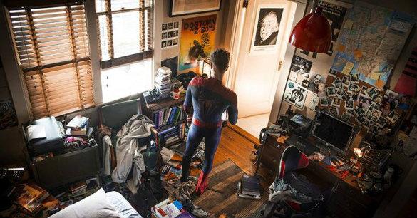แบนเนอร์และโลโก้ทางการของ The Amazing Spider-Man 2