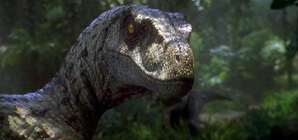 ตะลึง! ไดโนเสาร์บุกสำนักงานในญี่ปุ่น