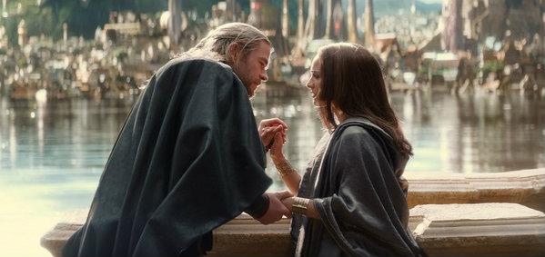 ธอร์ กลับมาพา เจน ฟอสเตอร์ คนรักอีกครั้งในคลิปล่าสุดจาก Thor: The Dark World