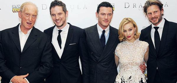 ลุค อีวานส์ นำทีมนักแสดง ร่วมงานรอบปฐมทัศน์ภาพยนตร์ Dracula Untold
