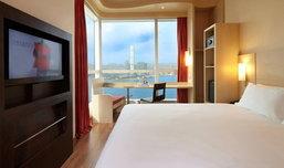 3 โรงแรมสวยน่าพัก ใจกลางเกาะฮ่องกง