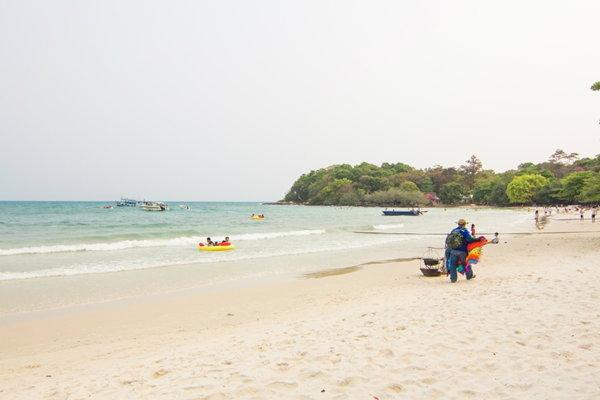ชมวิวชายหาด เกาะเสม็ด