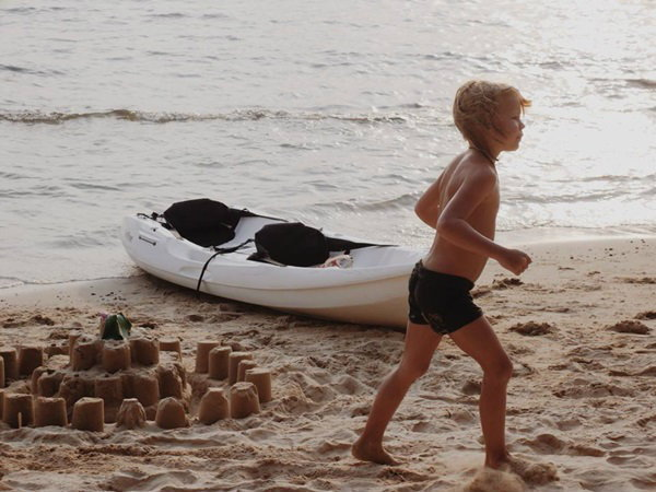 เดินเล่นชายหาด เกาะกูด