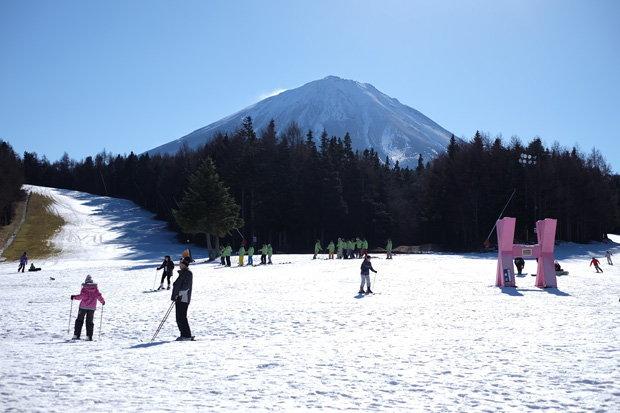 เล่นสกีฟูจิเทนสกีรีสอร์ท