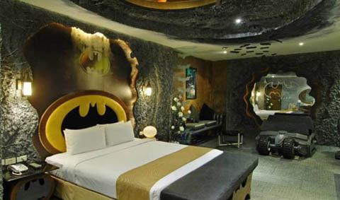 นอนค้างคืนในถ้ำแบตแมน!