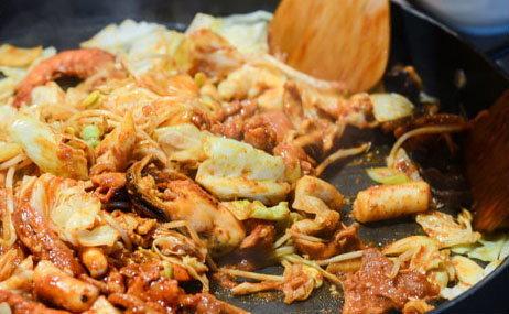 ทัคคาลบี้ ความอร่อยสูตรเฉพาะจากแดนกิมจิ
