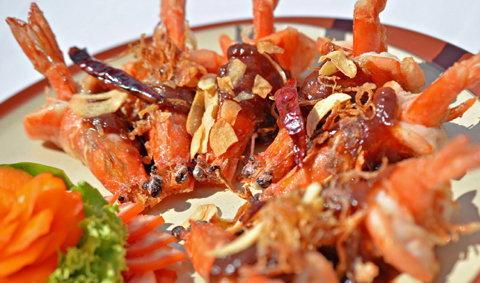 ครัวฆาราฑี เกาะช้าง อาหารทะเลสด รสชาติไทยแท้ในราคากันเอง