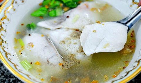 ข้าวต้มปลากิมโป้ ข้าวต้มปลาในตำนานประสบการณ์มากกว่า 70 ปี