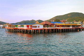 ลารีนารีสอร์ทบายเดอะซีเ กาะล้าน (Lareena Resort By the Sea Koh Lan) ที่พักเกาะล้าน ชลบุรี